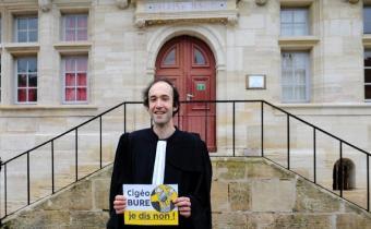 Me Etienne Ambroselli, devant le tribunal de Bar-le-Duc.