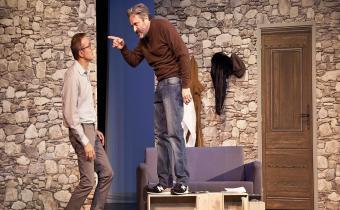 Eurêka !, au théâtre des Variétés. Photo Pierre Barrière. Alexandre Pesle (G) et Éric Laugerias (D).