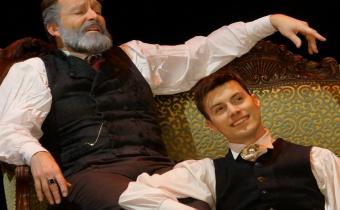 Le portrait de Dorian Gray, au théâtre le Ranelagh. Photo Ben Dumas.