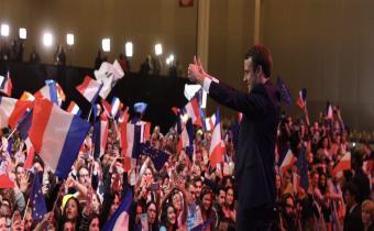 Emmanuel Macron au soir du premier tour, Parc des Expositions, porte de Versailles, 23 avr. 2017. Photo En Marche !