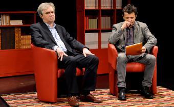 Le cas Martin Piche, au théâtre Montparnasse. Avec Jacques Mougenot (à gauche) et Hervé Devolder. Photo Pauline Marbot.