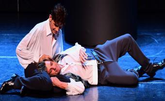 Rimbaud Verlaine, au théâtre du Gymnase Marie Bel, Photo Philippe Escalier.
