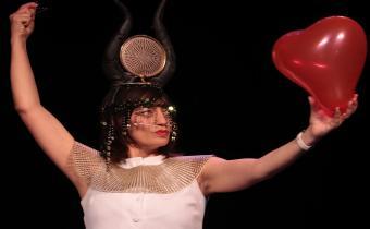 What is love ?, au théâtre de la Contrescarpe. Photo Cyril Vaysse.