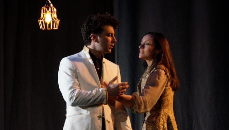 L'Aigle à deux têtes, au théâtre le Ranelagh. Photo Ben Dumas. Avec Alexis Moncorgé et Delphine Depardieu.