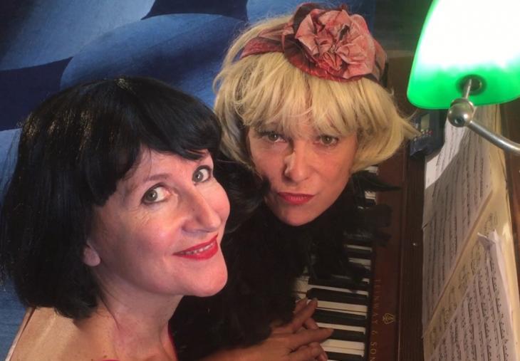 #AnnéesFolles, au théâtre Clavel. Avec, de g. à d., Juliette Pradelle et Anne Cadilhac. Photo DR.