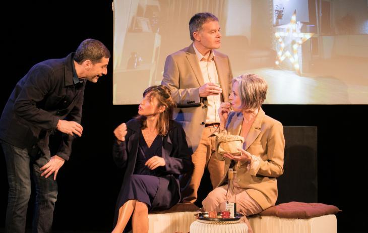 C'est pas le bon moment, au théâtre de la Manufacture des Abbesses. Photo Nicolas Lartigue.
