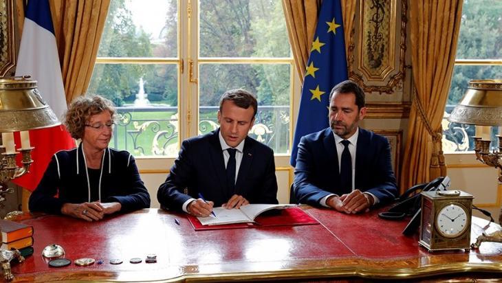 Signature des 5 ordonnances réformant le code du travail par le président de la République, 22 sept. 2017.