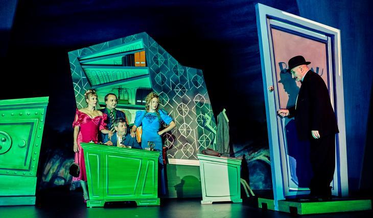 Fric-Frac, au théâtre de Paris. Photo Marcel Hartmann.
