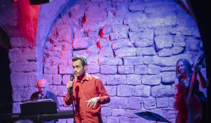 Sylvain Gary, dans Mots pour maux, au théâtre Essaïon. Photo ChrisDé.