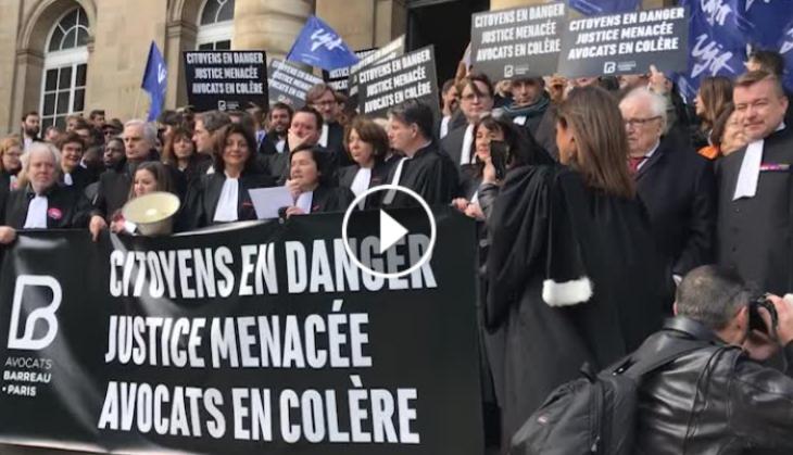 Mobilisation des avocats devant le palais de justice de Paris, 21 mars 2018.