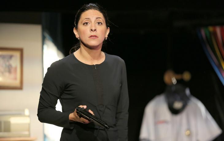 La Putain du Dessus d'Antonis Tsipianitis, au théâtre de la Huchette. Photo Lot.