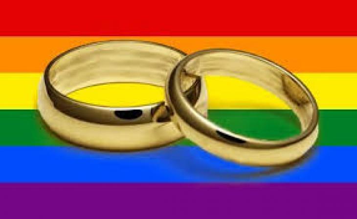 La notion de conjoint englobe les conjoints de même sexe