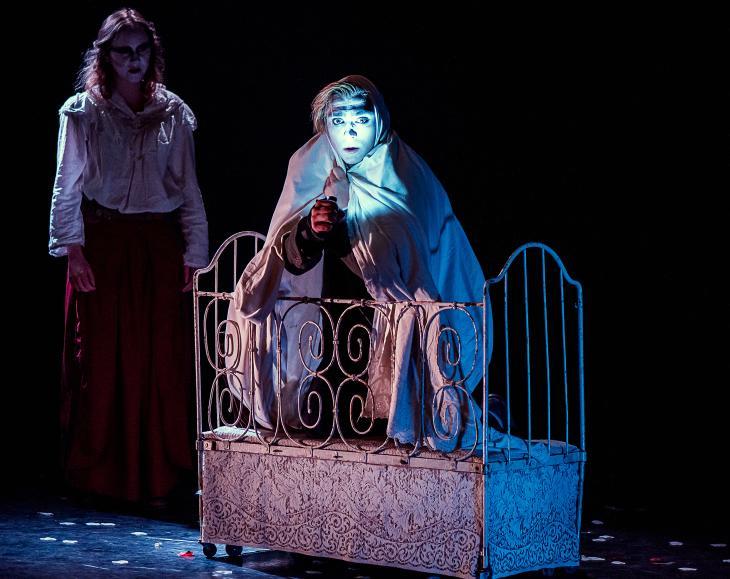 La mécanique du cœur, à La Folie Théâtre. Photo Emilie Montuclard.
