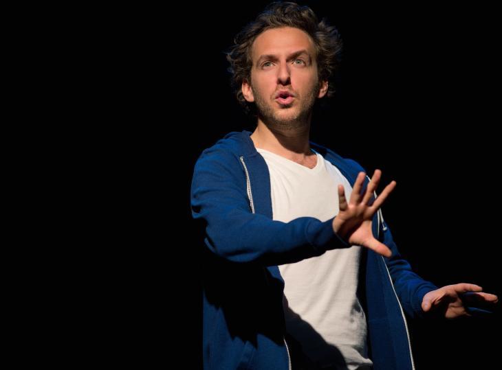 Pourquoi de Michaël Hirsch, au studio des Champs-Élysées. Photo Lisa Lesourd.