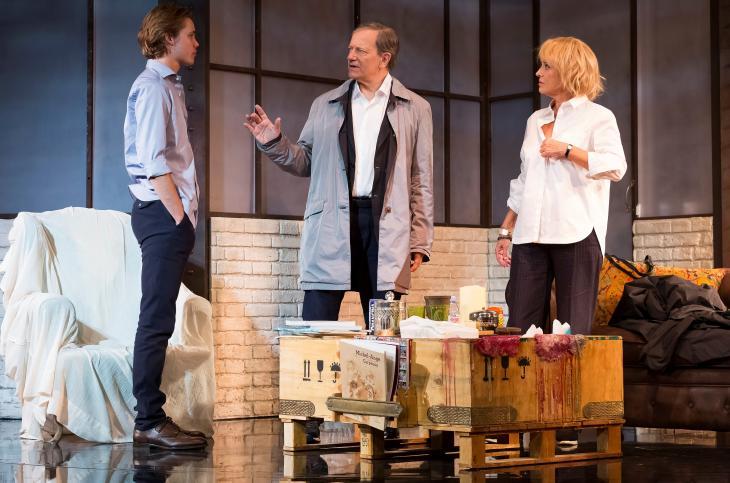 Pourvu qu'il soit heureux, au théâtre Antoine. Ptoto Svend Andersen.