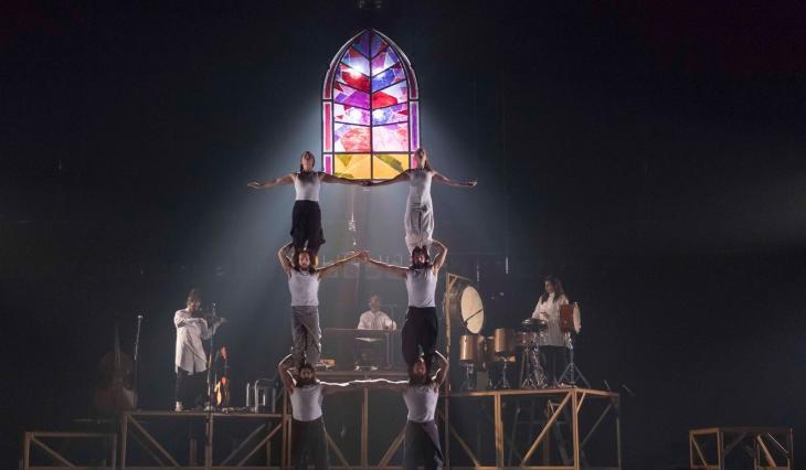 Tabarnak, du cirque Alfonse, à Bobino. Photo Nicolas Descôteaux.