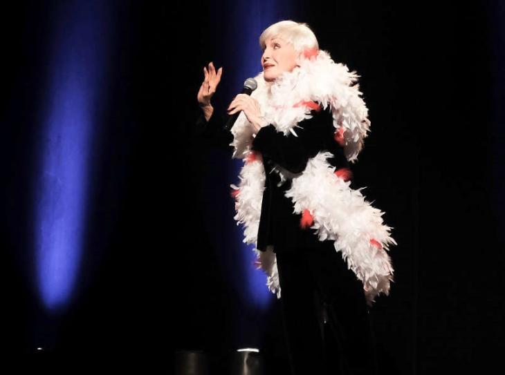 Nicole Croisille, dans Youpi, c'est reparti !, à la Nouvelle Ève. Photo Paul Herman.